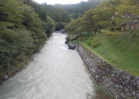 Taifuzousui30101hasiyori