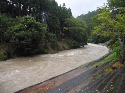 Taifuzousui2019815socho